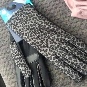 Isotoner smartDRI SMART touch gloves